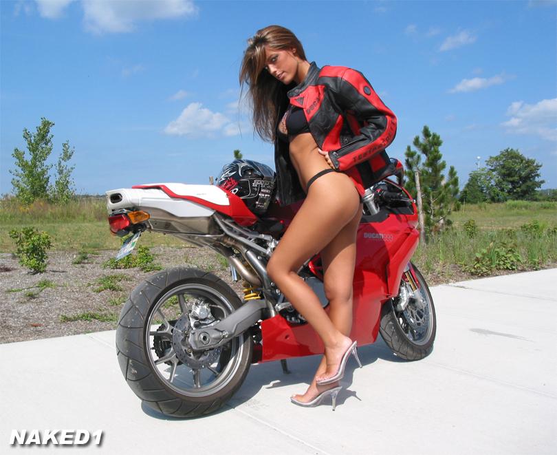 Ducati_Performance1